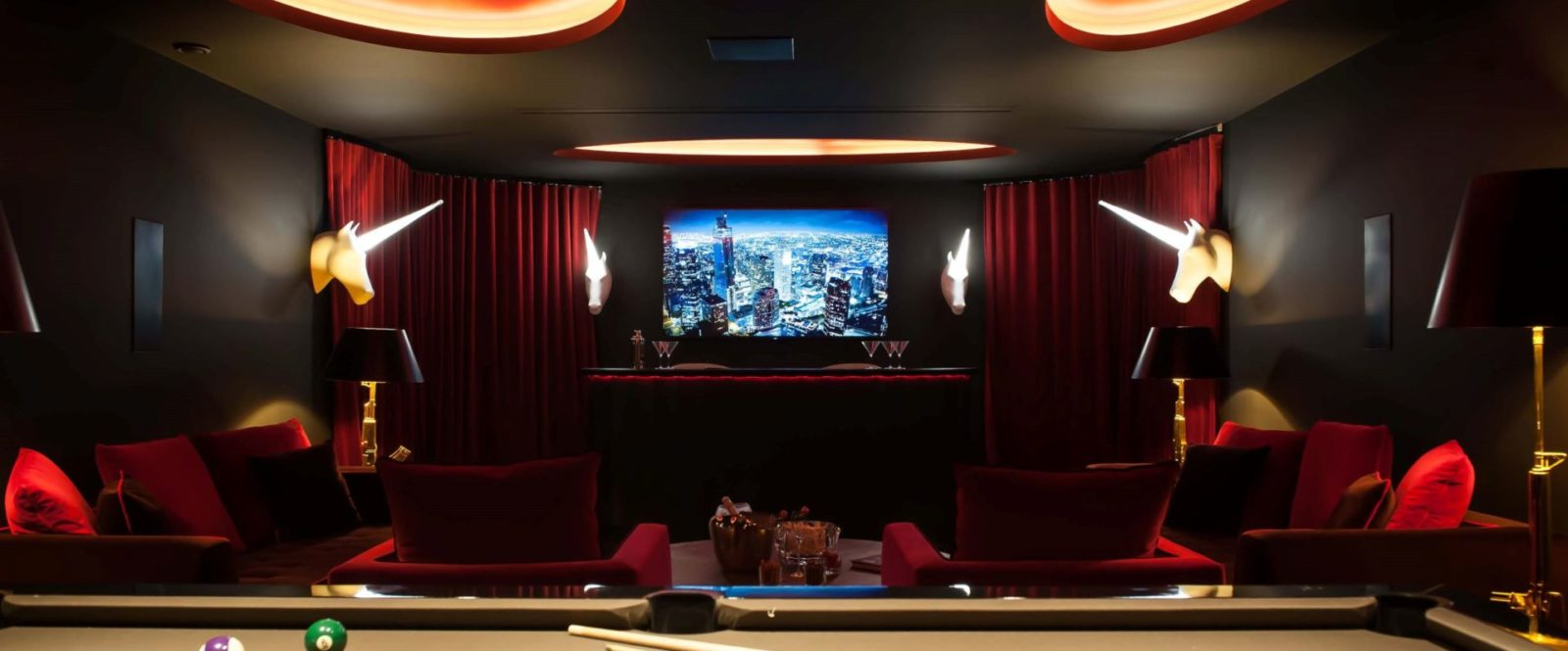 NEO - entertainment-room