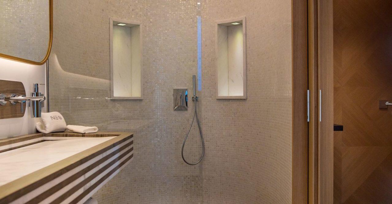 NEO - guest-suite-1-bathroom