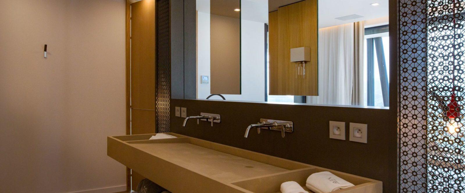 NEO - guest-suite-4-bathroom