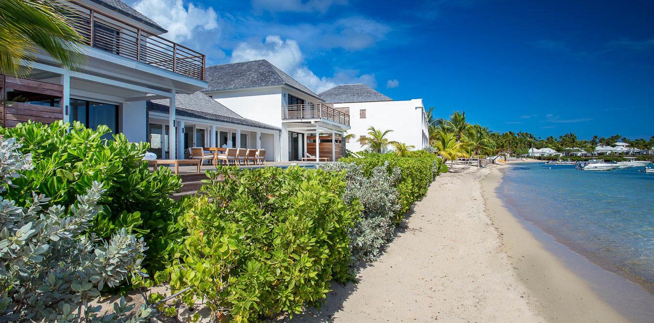 AQUA & BLEU - lbh-villa-pool-beach-7