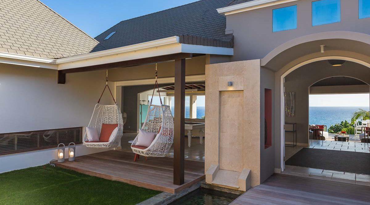 ACAMAR - villa-acamar-dedon-swing-entrance-by-laurent-benoit