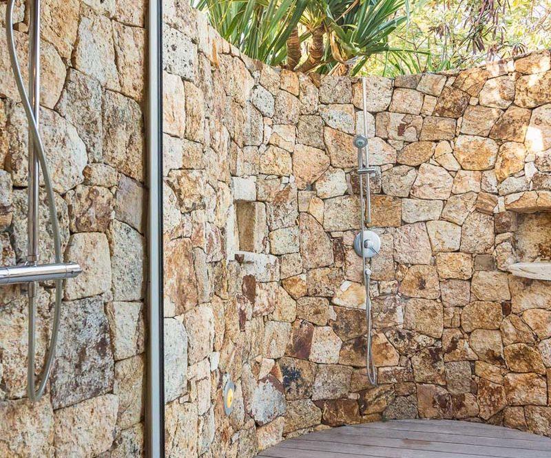 ACAMAR - villa-acamar-external-shower-bedroom-2-by-laurent-benoit