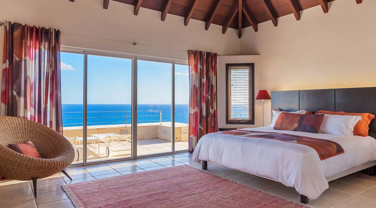 ACAMAR - villa-acamar-master-bedroom-by-laurent-benoit