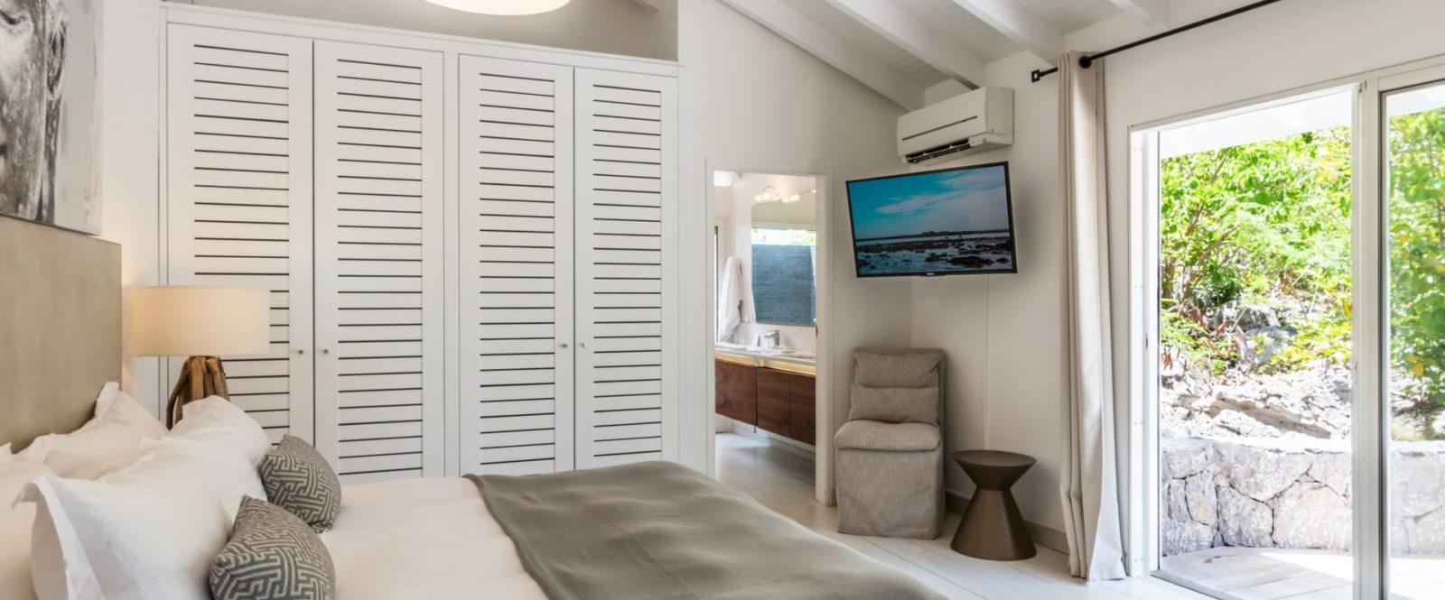 AVALON - villa-avalon-jeanne-le-menn-bedroom-1-1