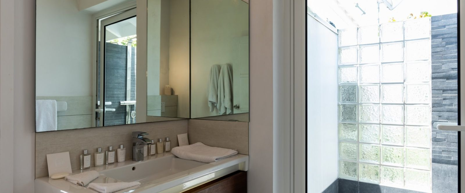 AVALON - villa-avalon-jeanne-le-menn-bedroom-2-3